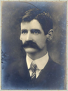 220px-Henry_Lawson_photograph_1902