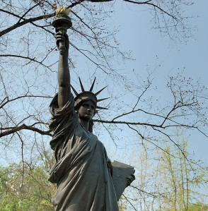 640px-Statue_de_la_liberte